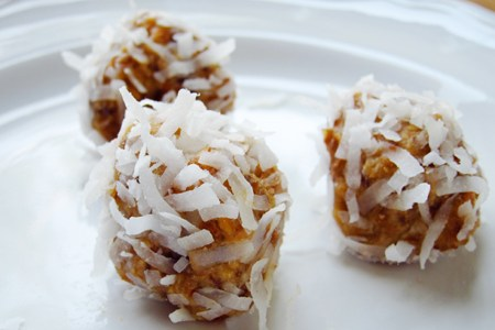No Bake Lemon Balls