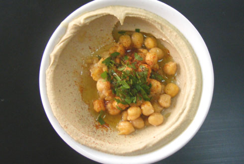 hummus with chickpeas on top