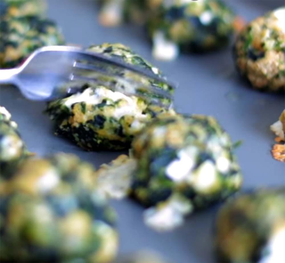Cheesy Spinach Bites [Recipe]