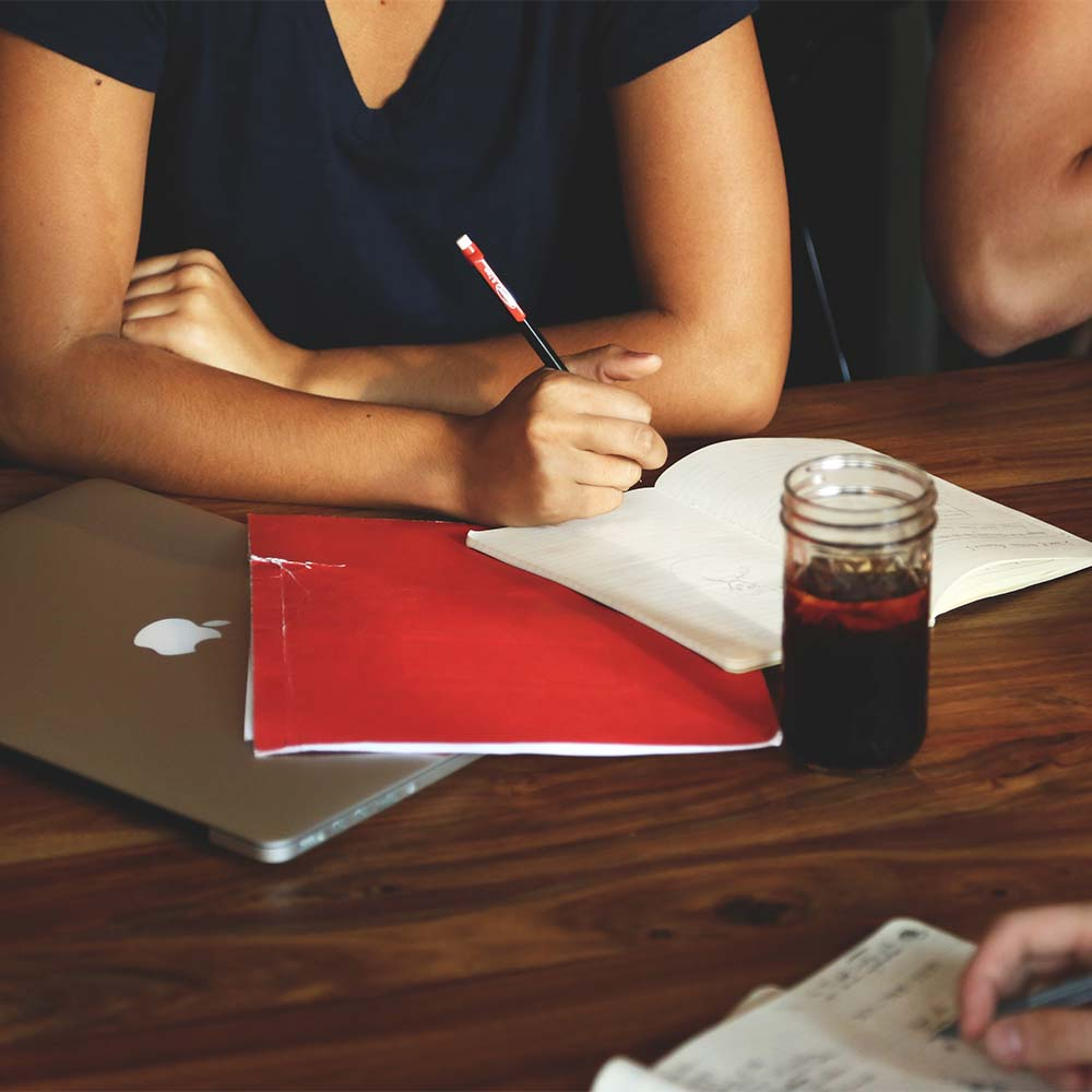 4 Survival Tips for Office Meetings with Food