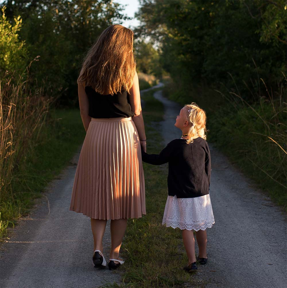 How Mothers Shape Our Food Choices and Eating Habits